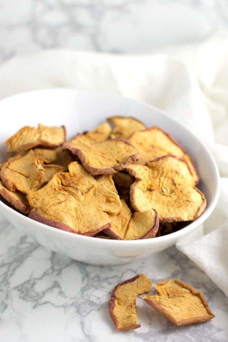 Cinnamon Apple Chips recipe from acleanplate.com #paleo #aip #autoimmuneprotocol