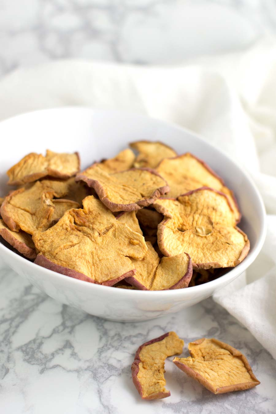 Cinnamon Apple Chips recipe from acleanplate.com #paleo #aip #autoimmuneprotocol
